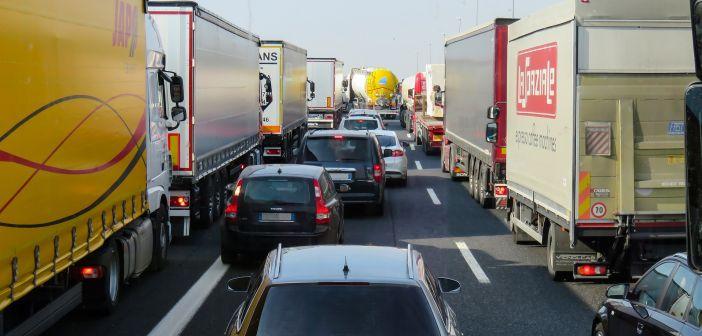 kolona, gužva u prometu