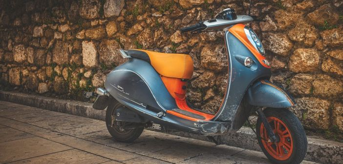 Zadar: Maloljetnici ukrali tri skutera, dva mopeda i bicikl