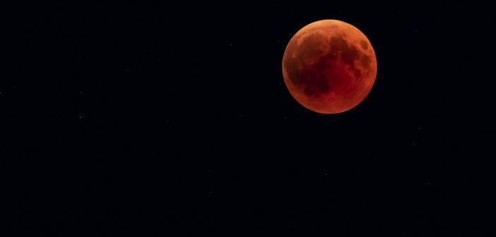 U ponedjeljak potpuna pomrčina Mjeseca