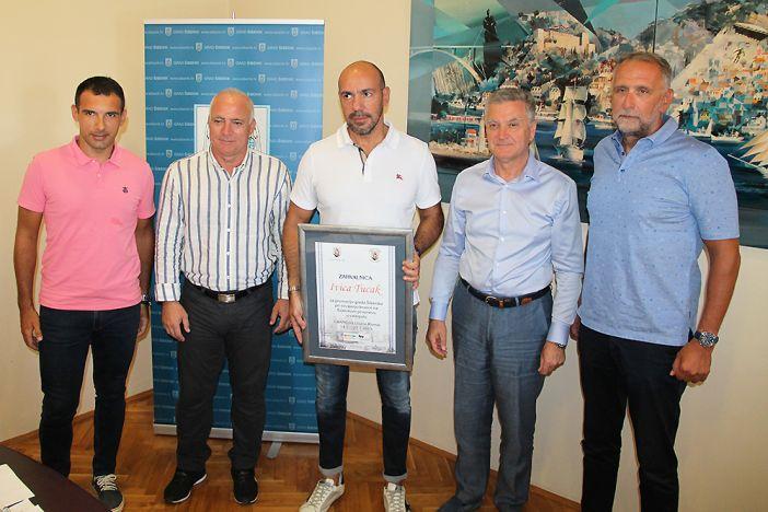 Ivicu Tucka primili šibenski gradonačelnik i župan