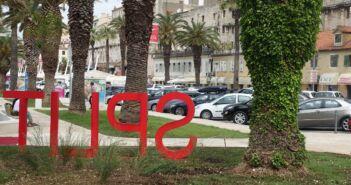 Izvanulično parkiralište Riva 1